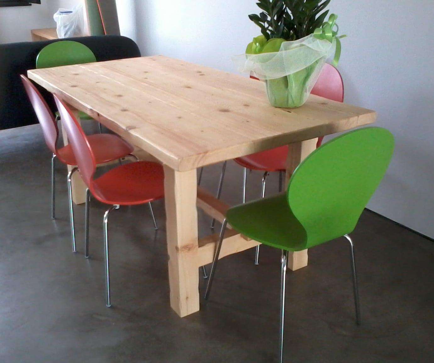 Tavolo in legno massello abete al naturale