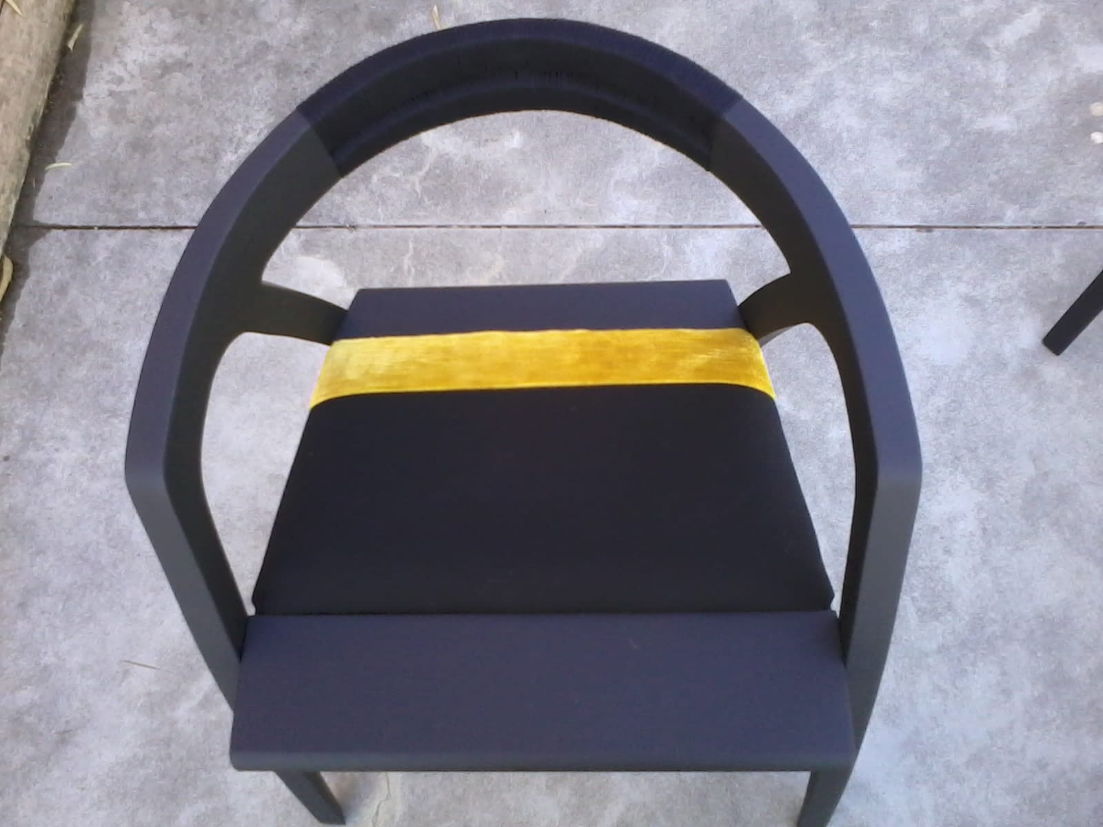 Sedia in legno curvato frassino con verniciato. Progetto: architetto Roberto Virdis
