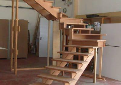 Fase di realizzazione scala portante a doppia trave