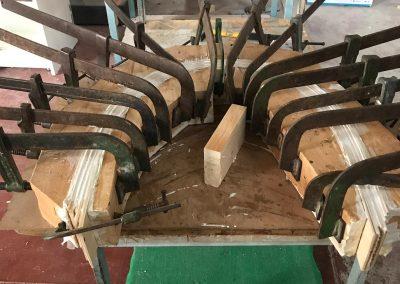 Incollaggio e curvatura legno per schienale sedie (designer Roberto Virdis)